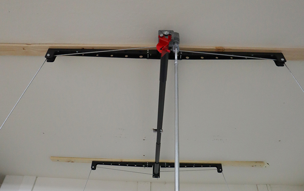 Fish cables for hoist