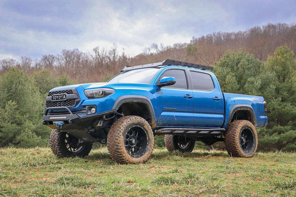 Lifted 3rd Gen Tacoma with Drop-Bracket Lift & Prinsu Roof Rack