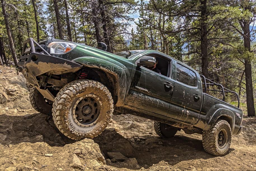 Lifted 2nd Gen Tacoma with Front & Rear ARB Air Lockers