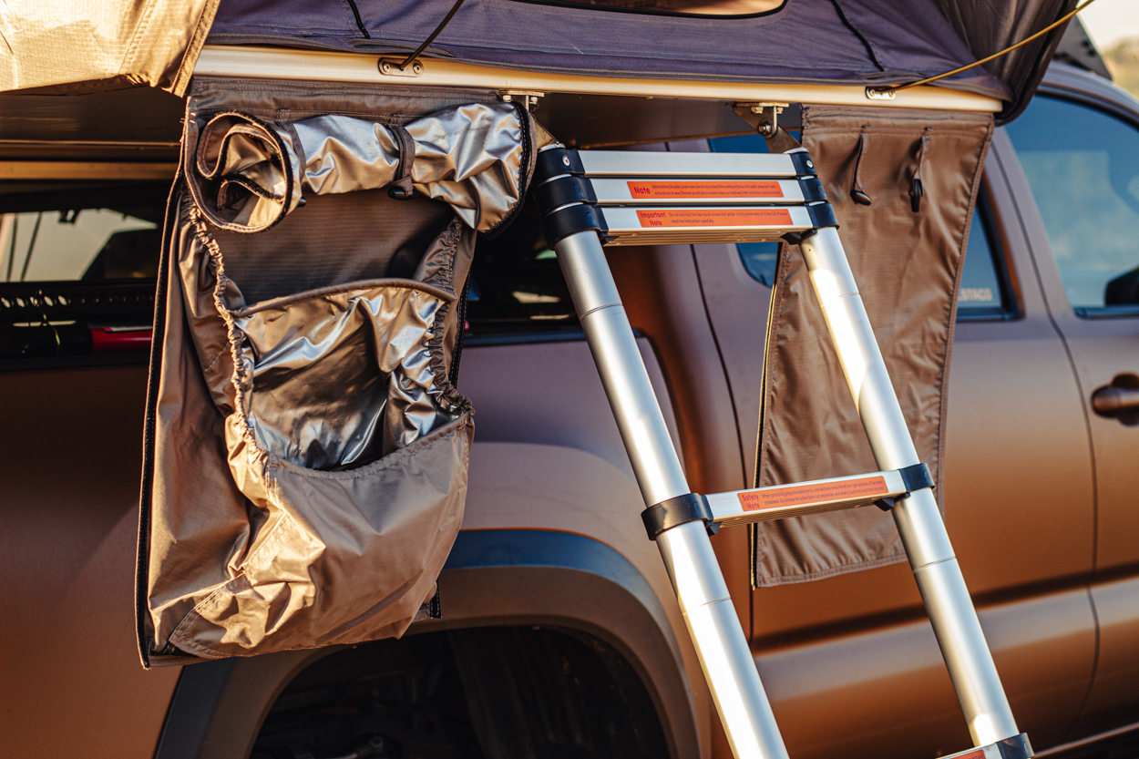 Amenities & Upgrades for HOG Sty Off-Road Rooftop Tent - Shoe & Storage Bag