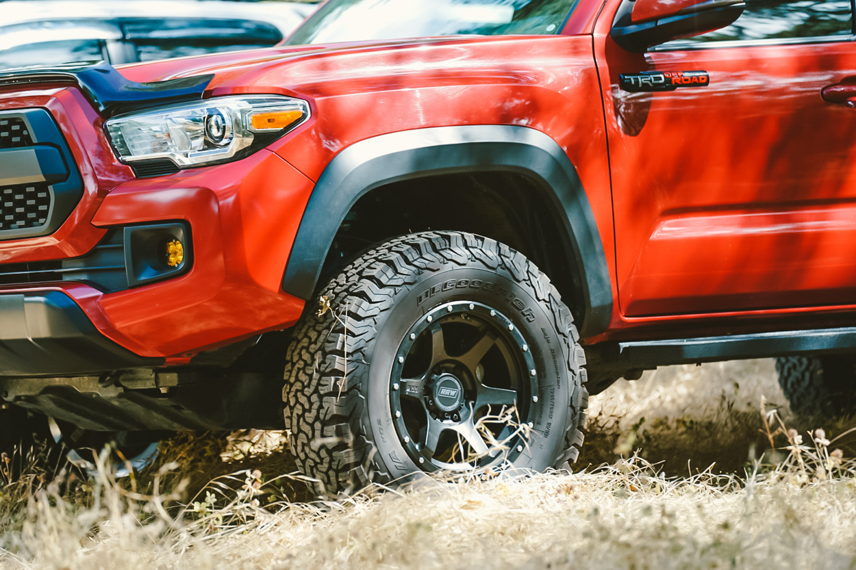 TRD Off-Road 3rd Gen Tacoma with RRW RR2-V Wheels
