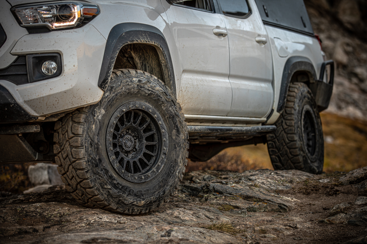 Lifted Super White 3rd Gen Tacoma with Relations Race Wheels RR6-H (Hybrid Beadlock)