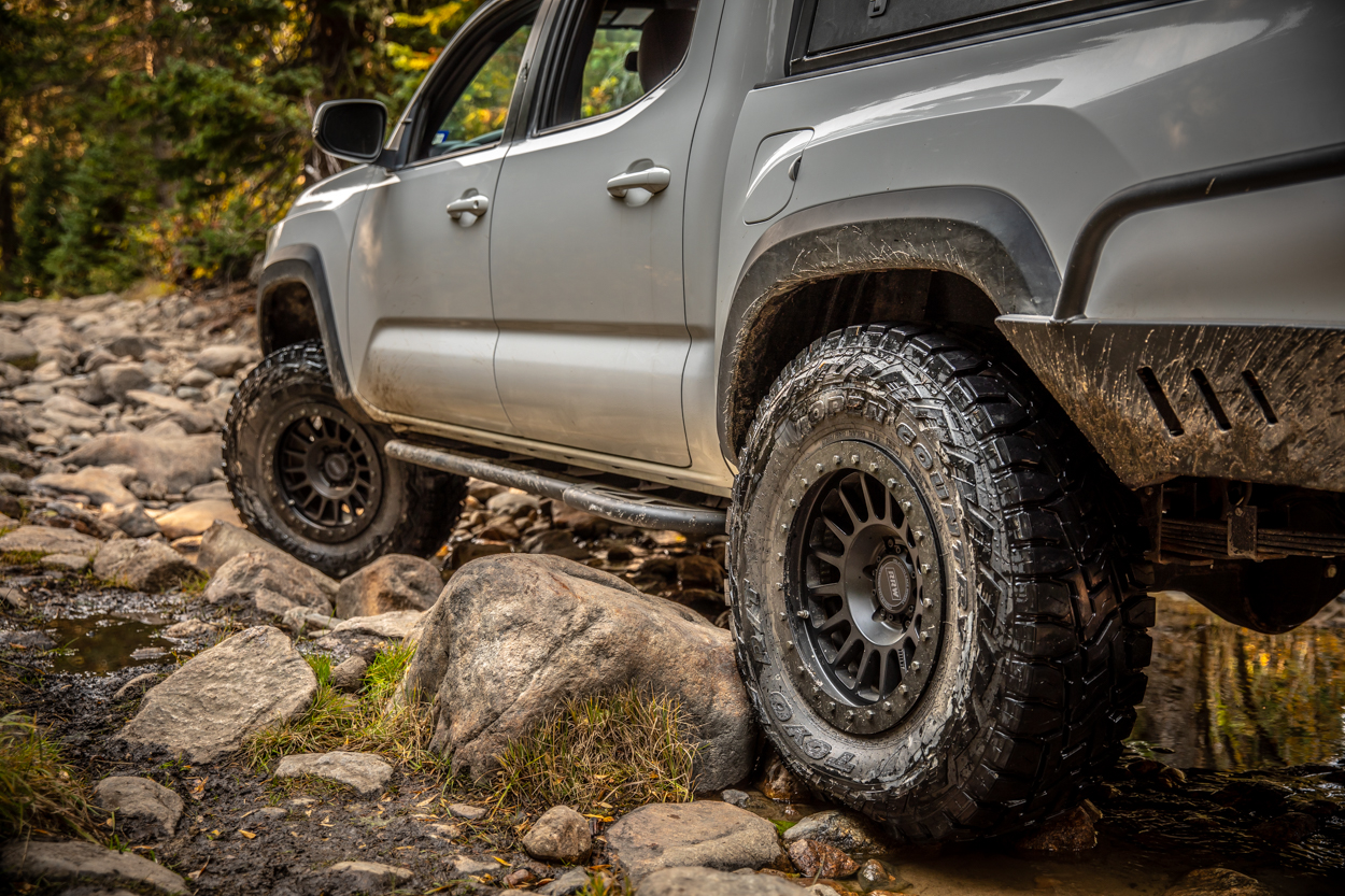 DOM vs HREW Rock Sliders - 3rd Gen Tacoma with Relations Race Wheels Bolt-On DOM Rock Sliders