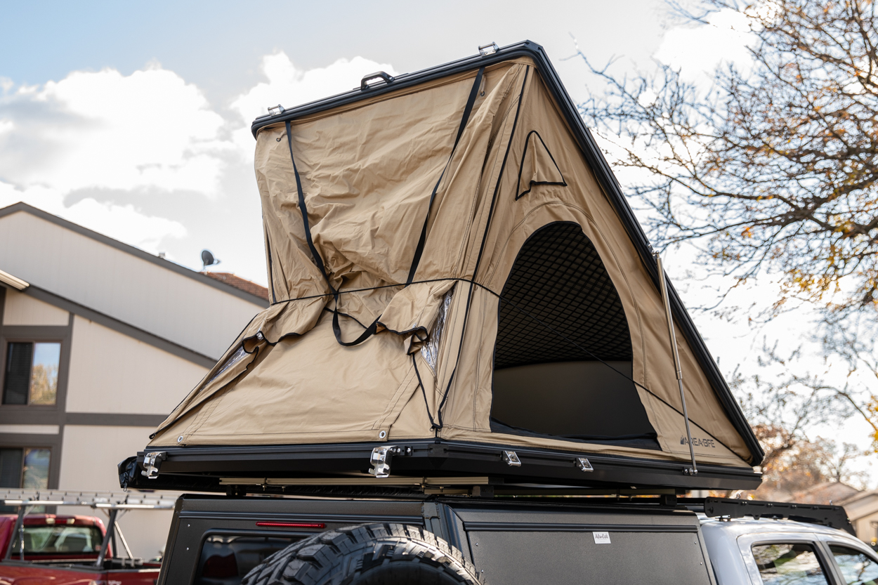 Setting up the AreaBFE Aluminum Hard Shell Rooftop Tent