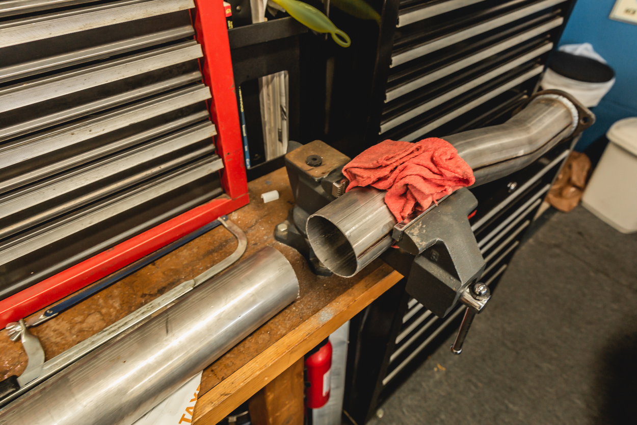 Cutting MBRP Cat Back Exhaust for Double & Access Cab Toyota Tacoma