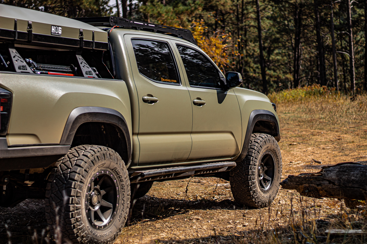 Nitto Tire Ridge Grapplers 305/70/17 Review on 3rd Gen Toyota Tacoma