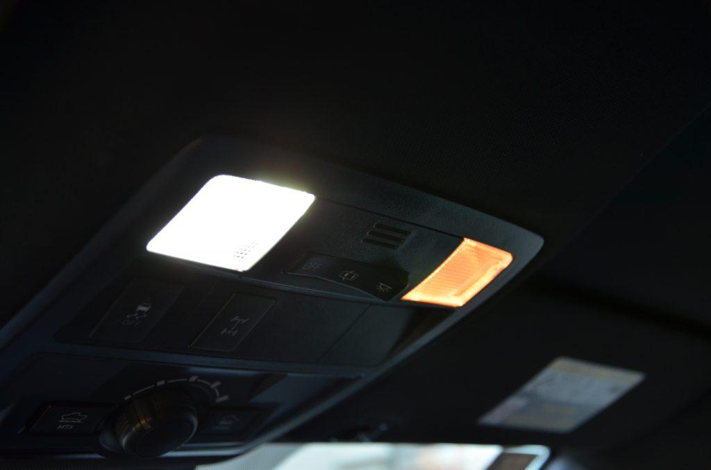 OEM Halogen Bulb VS VLEDS LED Bulb Output- Map Lights