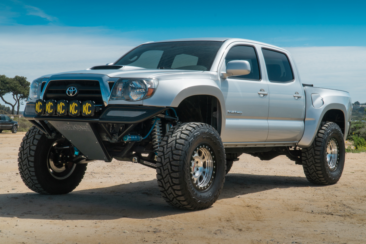 Long Travel 2nd Gen Toyota Tacoma with KC HiLites & Dirt King Fabrication Long Travel with King Off-Road Suspension