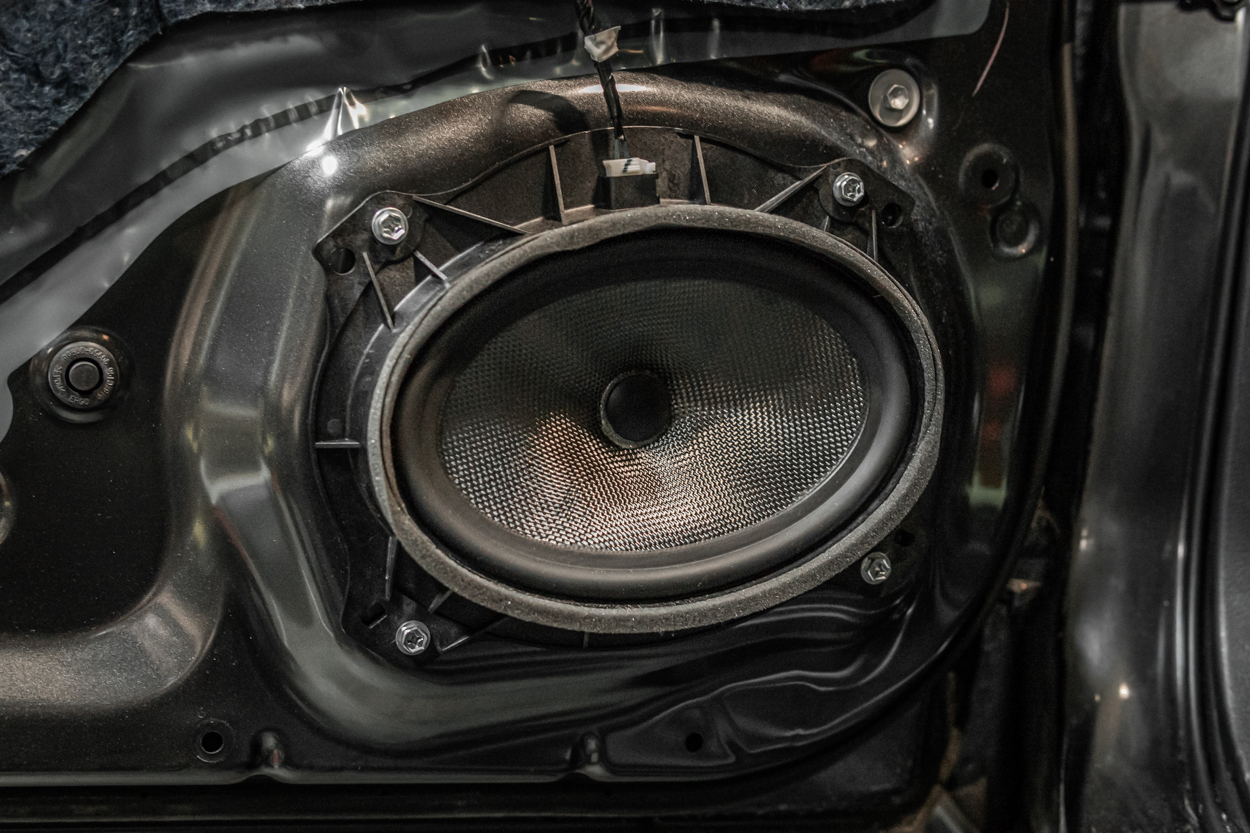 Aftermarket Plug And Play Carbon Fiber Woofers for Toyota Tacoma