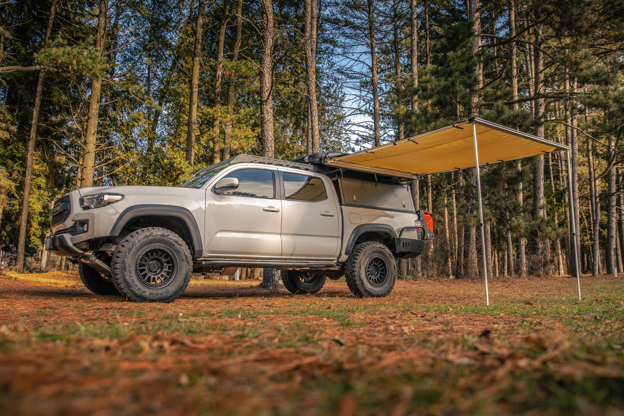 3rd Gen Tacoma with AreaBFE RTT & Awning