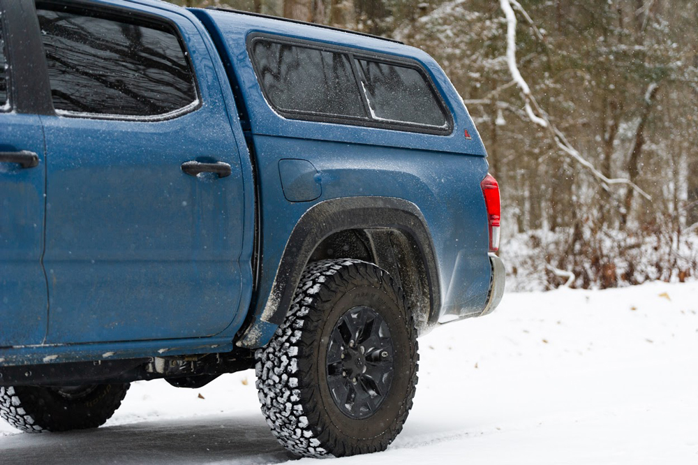 Leer 100R with Optional Removable Front Sliding Window - 3rd Gen Toyota Tacoma (2016+)