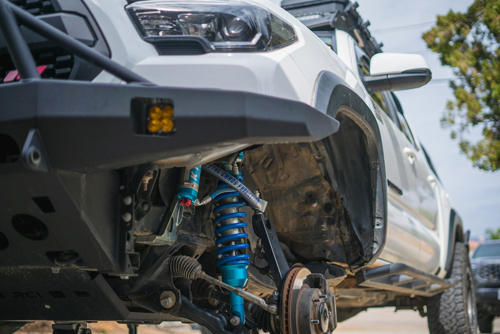 Super White 3rd Gen Tacoma with King Coilovers & Total Chaos Fab Chromoly UCAs