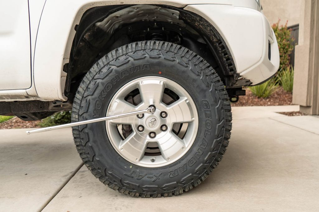 Removing Tire on Lifted 2nd Gen Toyota Tacoma - Wheel Spacer Install