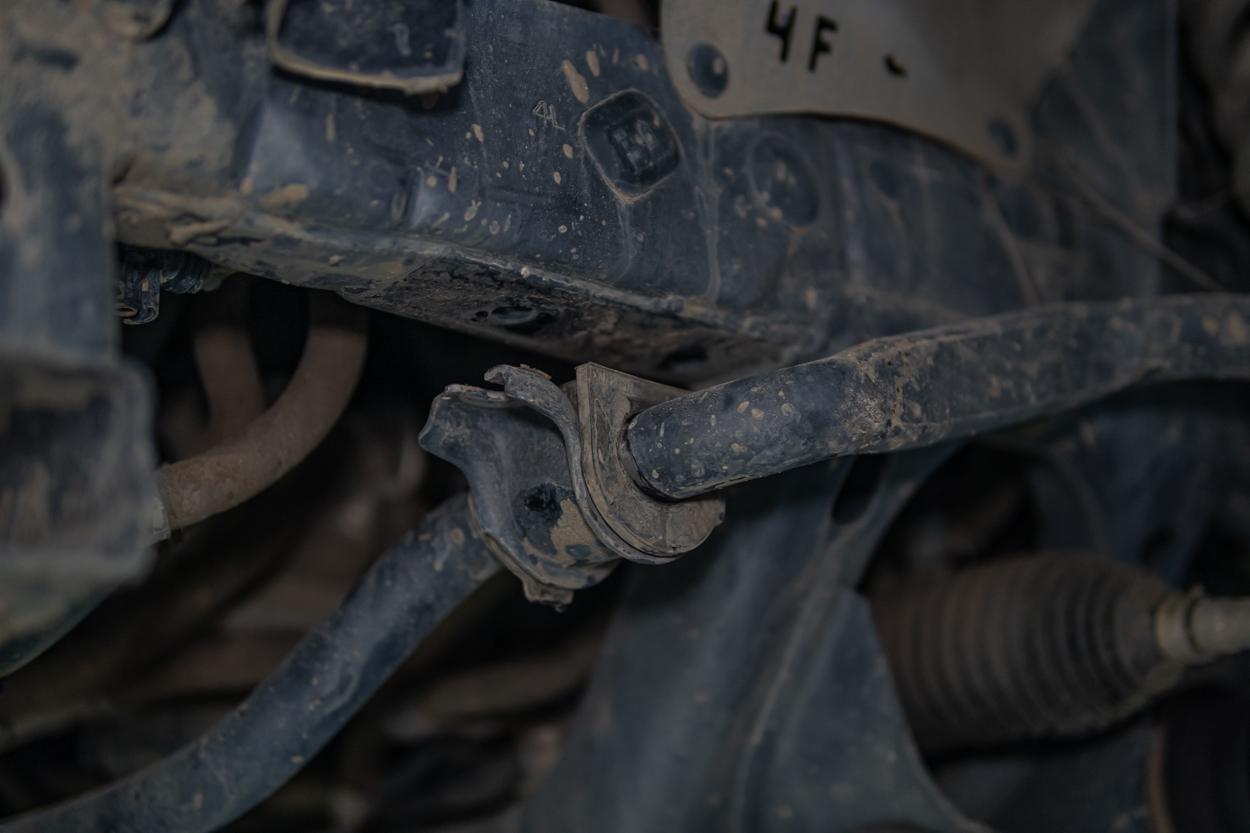 Unbolting Sway Bar - 3rd Gen Tacoma Frame Support Bracket Install