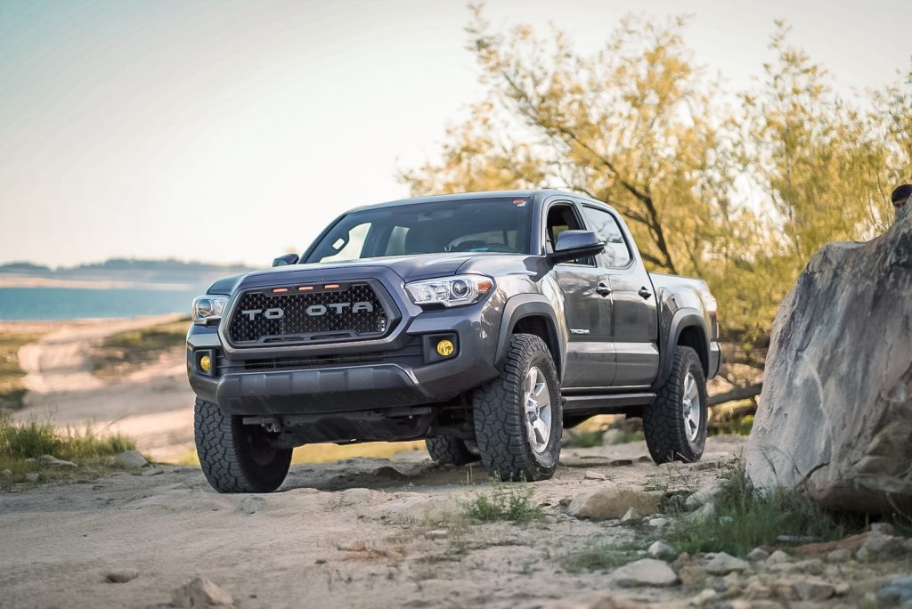 Fitting 33s on 3rd Gen Tacoma with No Lift - Complete Detailed Guide