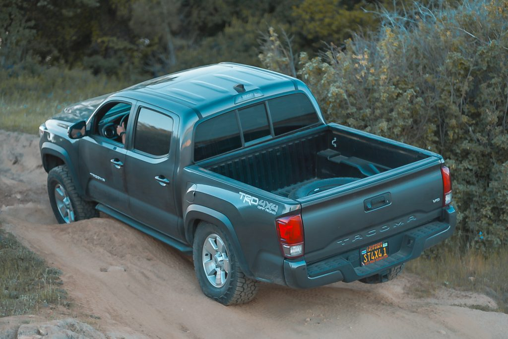 3rd Gen Tacoma TRD Off-Road Off-Roading - 33s With No Lift Kit