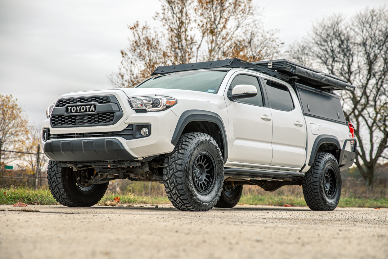 3rd Gen Tacoma with Toyo Open Country RTs, Black RRW RR6-H Wheels & Prinsu Roof Rack