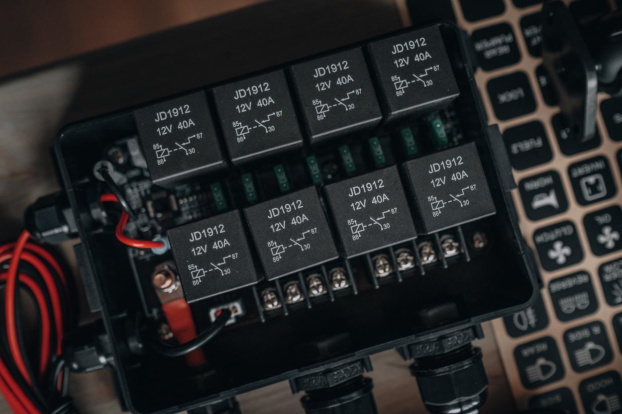 Fuses & Relays Inside Rear Light Bar Pro8 Switch Panel