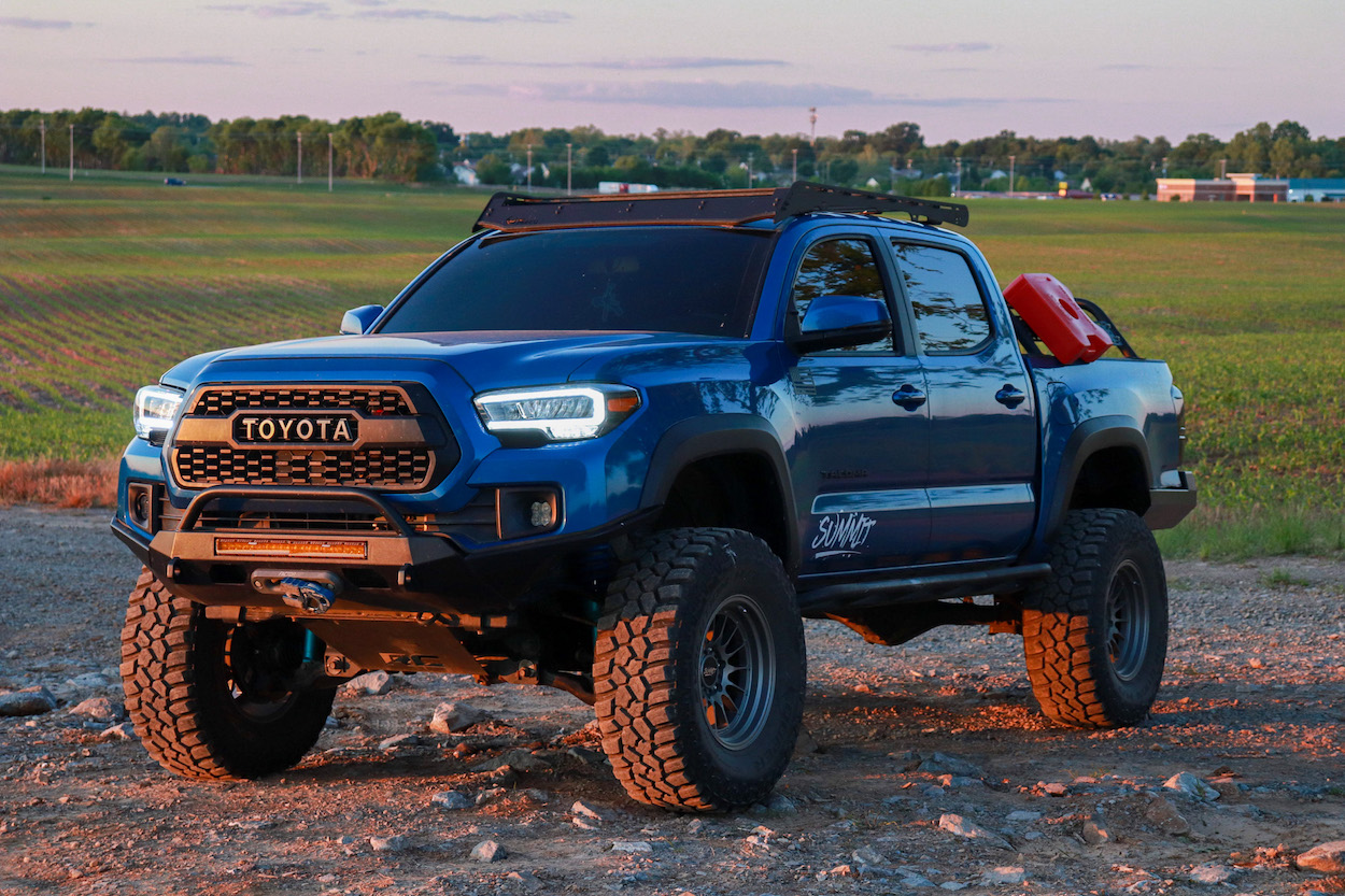 Aftermarket Replica TRD Model Style LED Headlights on 3rd Gen Toyota Tacoma