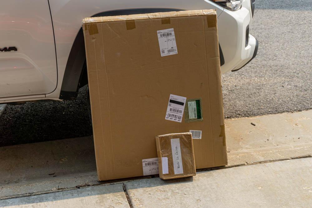 Unboxing Lensun Solar Energy Hood Mounted Solar Panel