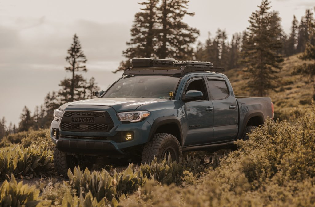Lifted Cavalry Blue 3rd Gen Tacoma with TRD Pro Grille & Prinsu Roof Rack