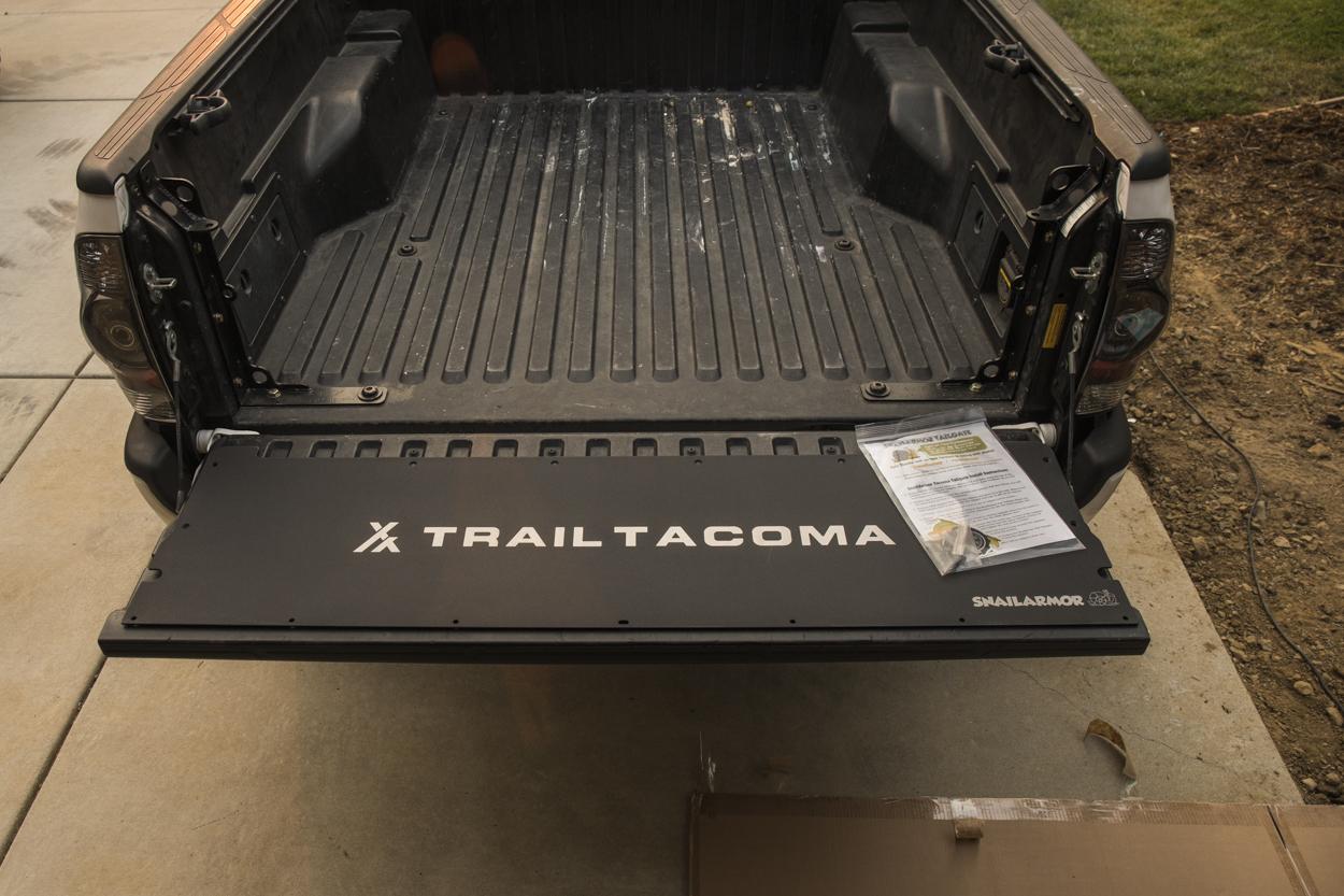 Snailarmor Tailgate Panel - Aluminum Panel for Tacoma