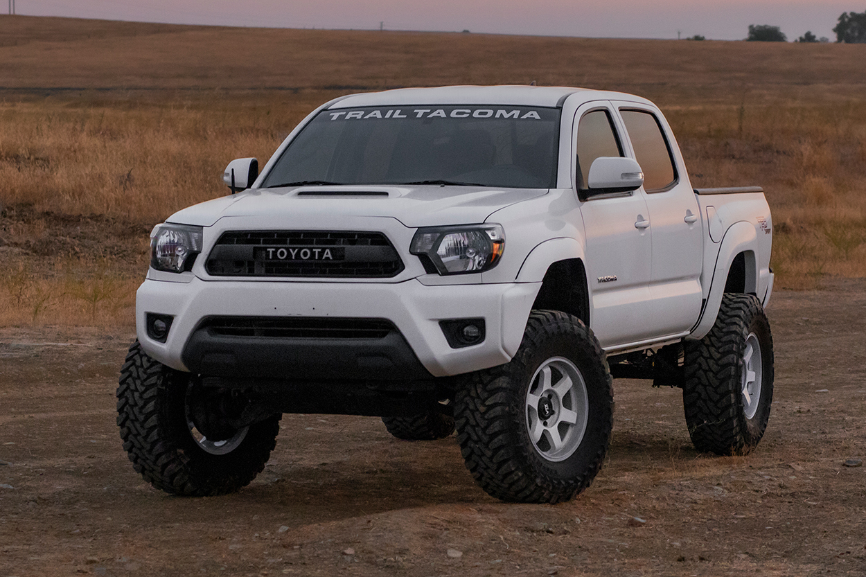"""OME Lift Kit on 2nd Gen Tacoma - White Lifted Tacoma 35"""" Tires"""